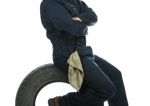 Mechanik pneuservisu