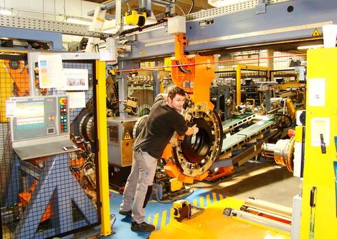 Operátor stroja na výrobu výrobkov z gumy