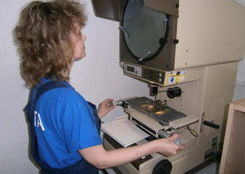 Kvalitár, kontrolór v strojárskej výrobe