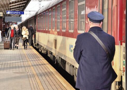 Sprievodca a vlakvedúci v osobnej železničnej doprave