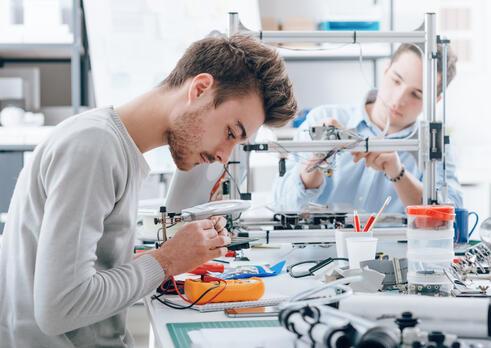 Špecialista kontroly kvality testovacích zariadení