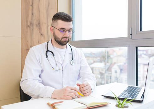 Pediatrický gynekológ