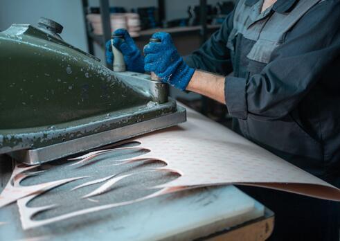 Vysekávač obuvníckych a kožiarskych materiálov