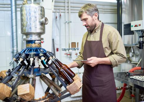 Operátor zariadenia na výrobu liehovín